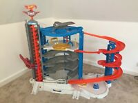 hot wheels mega garage as good as new fully assembled