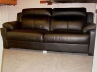 Large 2 Seater Black Leather Italian Design Sofa Settee. Excellent Condition