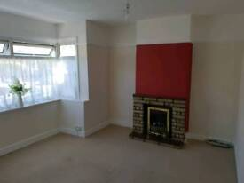 Large double room to let in shared house