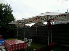 2 Big parasols