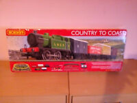 HORNBY FULL TRAINSET , PLUS EXTRA TRAINS AND COACHES AND EXTRA TRACK ALL 00 GAUGE, READ FULL