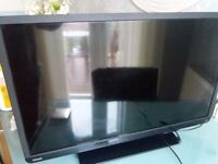 "Toshiba 32"" LCD Dolby and Dvd player with Hitachi freeview box"