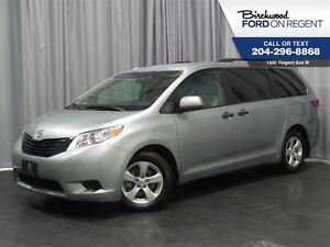 2016 Toyota Sienna Base *7 Passenger/Touch Screen*