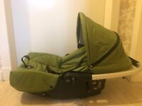 BARGAIN* HOUSE CLEARANCE * MUTSY SPORT car seat 3 positions green and black very fresh and clean
