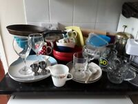 Masses of kitchen items, everything you need!