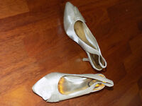 size 5 sling backs ivory shoes
