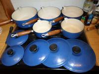 vintage Le Creuset 5 saucepan set with stand