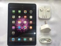 iPad MINI 16gb, great screen, bundle pack,case, headphones