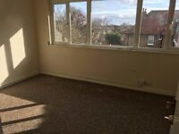 3 Floor Town House 4 Bed Sitting Room BathShower 2WC Garden Drive Near Tube