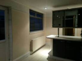 Spacious furnished 4 double bedroom property for rent. Prime location: Stratford / Westfield