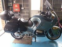 Quality BMW with panniers and top box and new battery, very tidy bike and low 43700 mileage