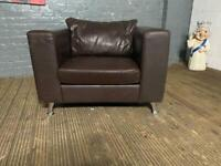 REAL LEATHER STYLISH ARMCHAIR IN GOOD CONDITION