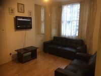 2 Bedrooms Flat in near Edgware Road (Students Accommodation for September 2016)