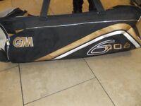 GM 606 Cricket Holdall Bag