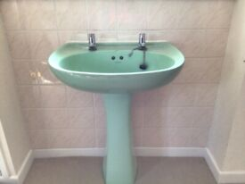 Twyords Bathroom Sink - Turquoise Green