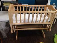 Baby cot crib glider - LIKE NEW - L@@K