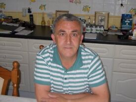 Experienced mature male live in carer seeks live in position , job shire .