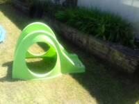 Small garden slide suitable for up to 4/5 years dependant on height/weight