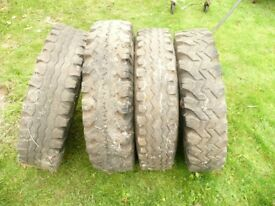 LandRover Rims with Worn Tyres