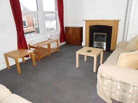 Large 2 bedroom furnished flat