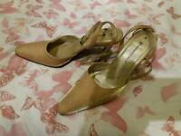 Ladies gold size 6 shiny evening shoes