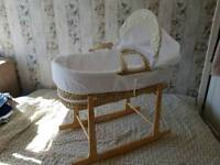 Moses Basket Inc. Stand and fitted sheets