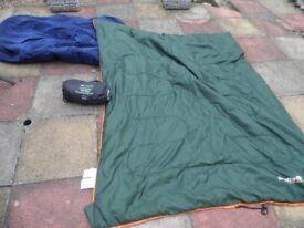 REGATTA SINGLE SLEEPING BAG AND BAG LINER ~ CAMPING ~ plus free air bed