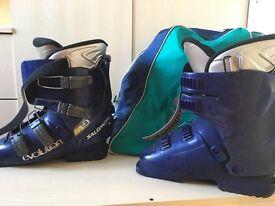 Salomon evolution 4.9 ladies ski boots size 6.5