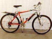 Saracen Hybrid bike 18 speed suspension lightweight