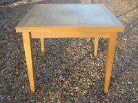 Oak effect extending table - PE9