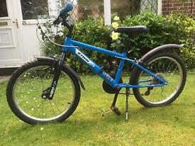 Childs bike age 7 to 10 approx