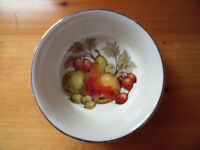 J Sadler & Sons round ceramic white dish, decorated on the inside base with fruit and leaves. £2.