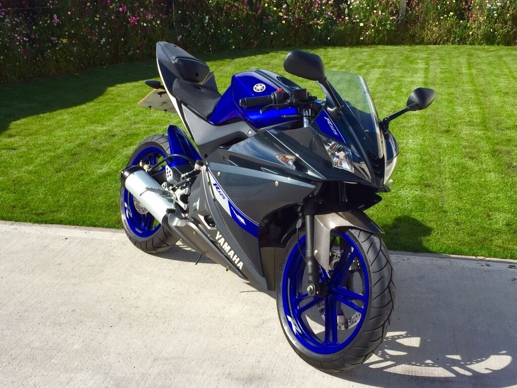 stunning 2014 yamaha yzf r125 new shape panels. Black Bedroom Furniture Sets. Home Design Ideas