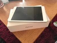 iPad Mini Silver 16gb cellular edition