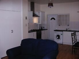 1 bed ground floor flat. furnished.
