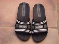 Flip Flops Mens. Size 43 UK 10. £3.50. Torquay, can post.