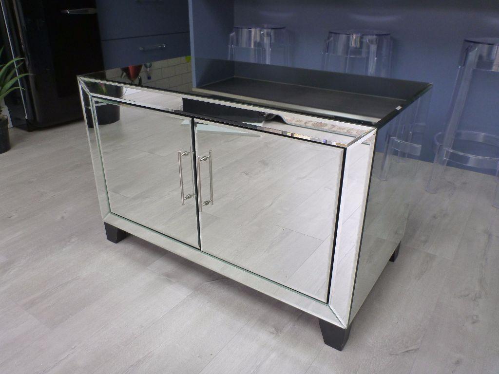 mirror tv cabinet cupboard for sale excellent condition. Black Bedroom Furniture Sets. Home Design Ideas