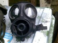 ARMY S10 RESPIRATOR PLUS ARMY COLD WEATHER CAP £20 THE LOT