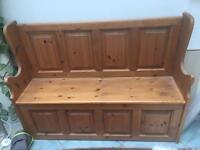 Pine pew bench