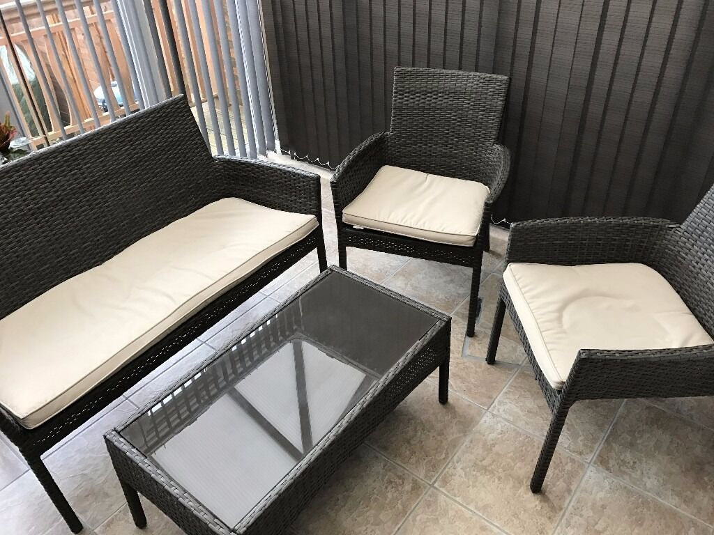 Homebase mali rattan conservatory garden furniture set for Outdoor furniture gumtree