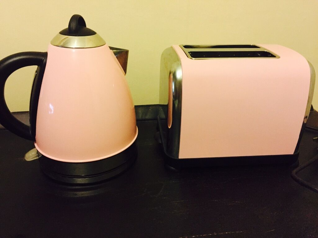 Baby Pink Kettle Amp Toaster Made By Kalorik From Currys