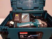 MAKITA DGA452RMJ 18V Cordless Li-Ion Angle Grinder (1x4Ah Battery gauge battery )