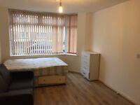 Studio flat to rent in Ladysmith Road London N17