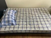 1 and half Bed Frame (Black)