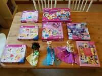 Large bundle of Disney princess toys in VGC!