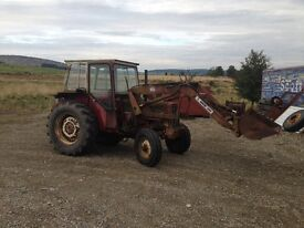 International 454 tractor with power loader