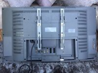 """32"""" LCD LG TV complete with remote and wall bracket"""