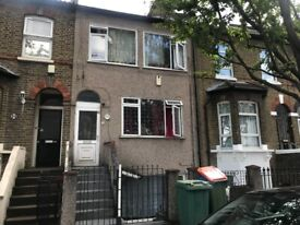 Large 3 bedroom flat in the heart of Forest Gate, Upton Park