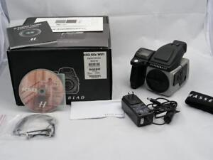 HASSELBLAD H5D 50C in LIKE NEW condition BOXED with all accessories (LESS THAN 5K actuations!)