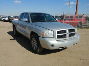 2007 Dodge Dakota SLT 4.7L V8 4x4!! Crew Cab!!